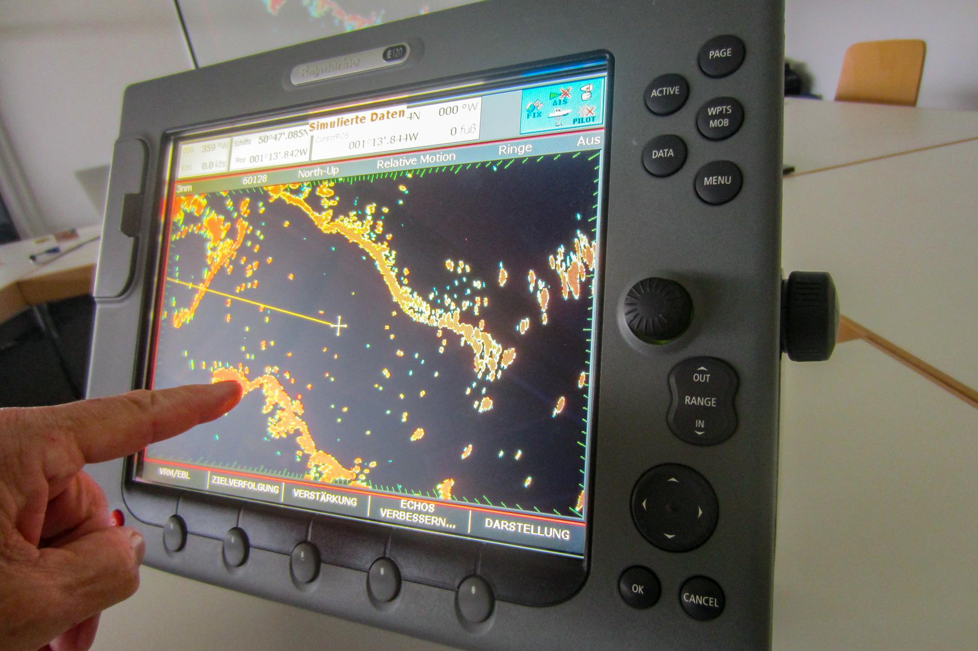 Marine-Radar/Plotter