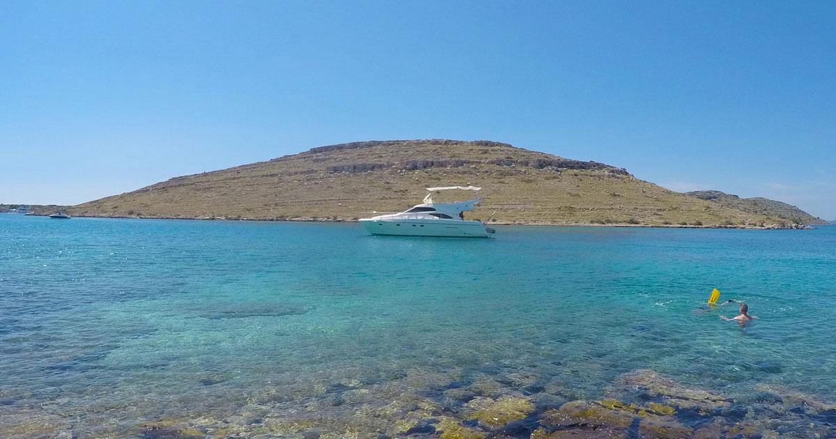 Motoryacht-Meilentörns in der paradiesischen Inselwelt von Kroatien